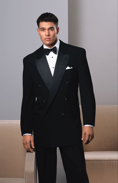 Double Breasted Tuxedos are the only ones that should be fully buttoned!