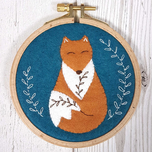Corinne Lapierre appliqué hoop folk fox craft kit