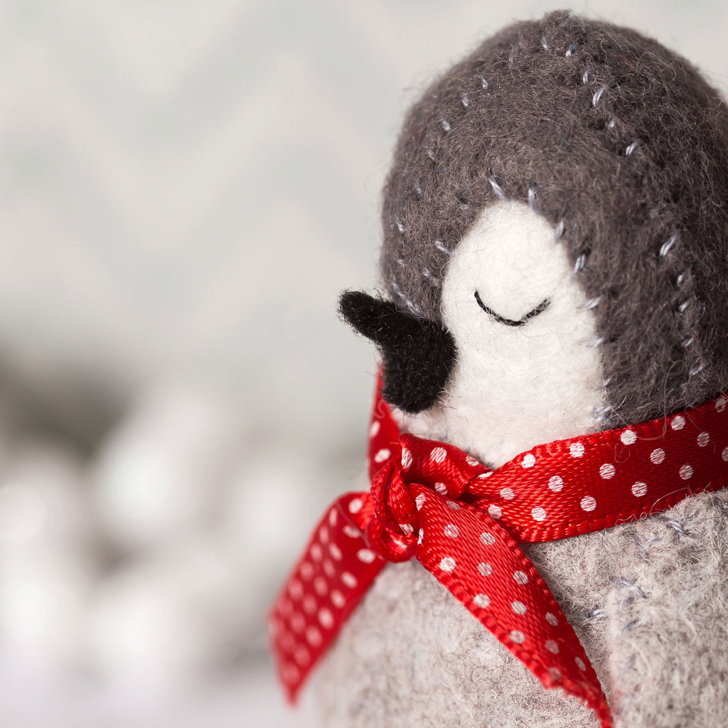 Corinne Lapierre Felt Baby Penguins Craft Kit Face Detail