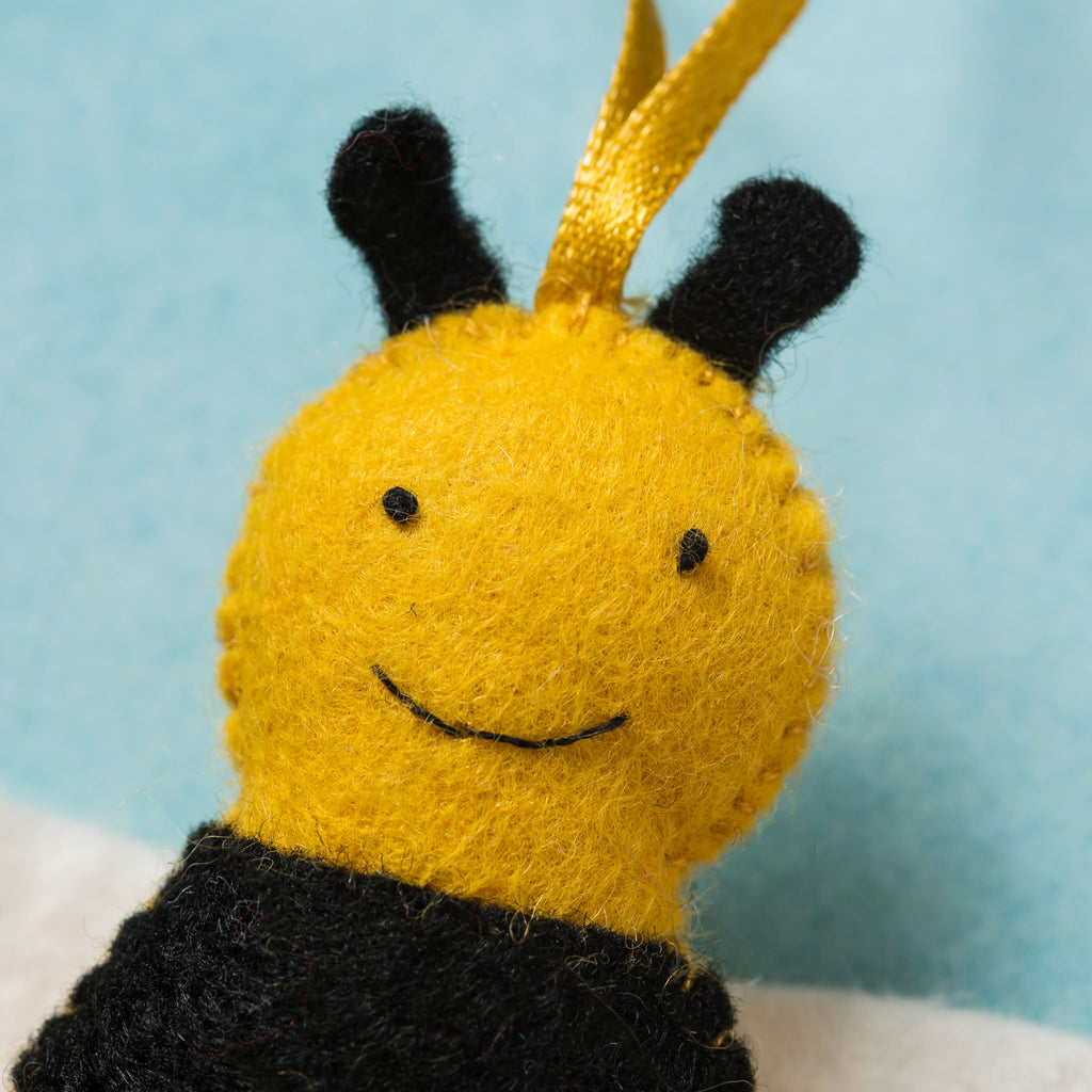 Corinne Lapierre Bee and Flower Felt Craft Kit Face Detail