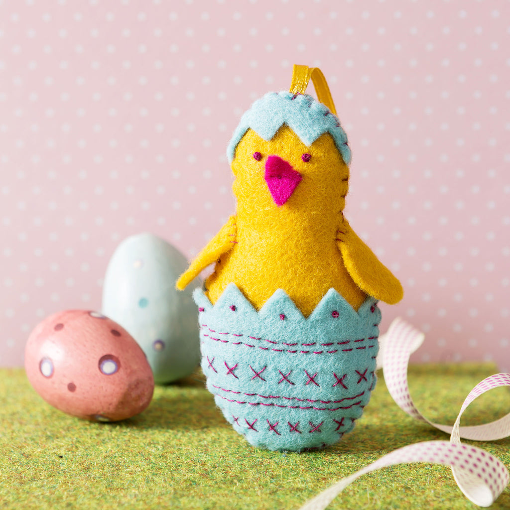 Corinne Lapierre Chick in Egg Mini Kit Easter Scene