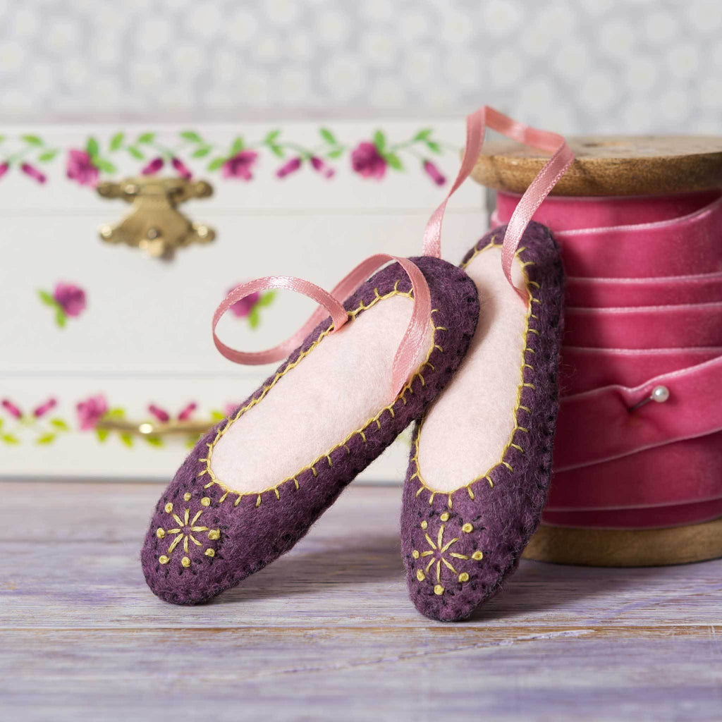 Corinne Lapierre Dancing Shoes from 12 Days of Christmas Felt Craft Kit