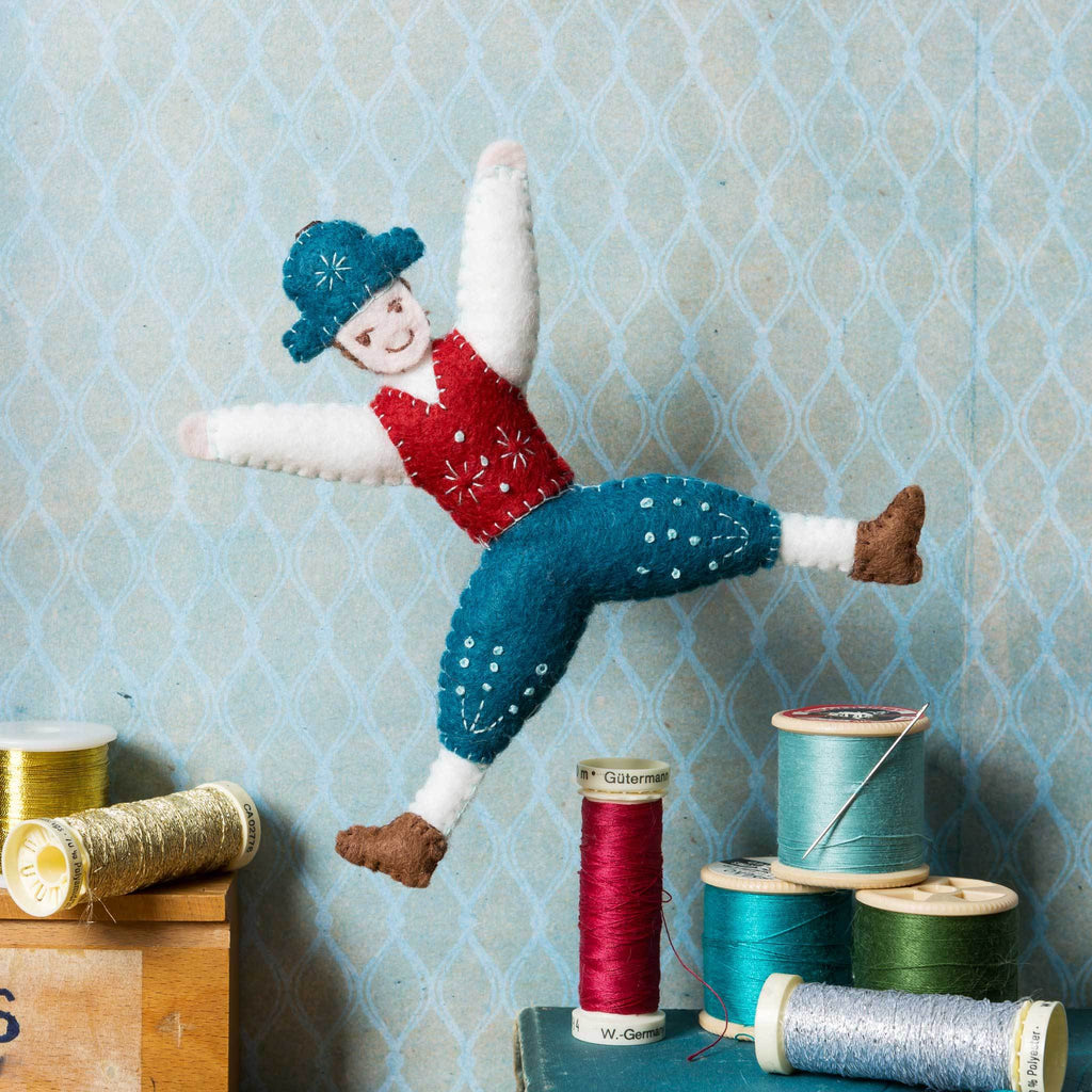 Corinne Lapierre Lord a-Leaping from 12 Days of Christmas Felt Craft Kit