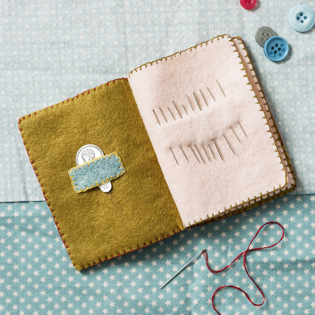 Corinne Lapierre Sewing Pouch Felt Craft Kit Inside