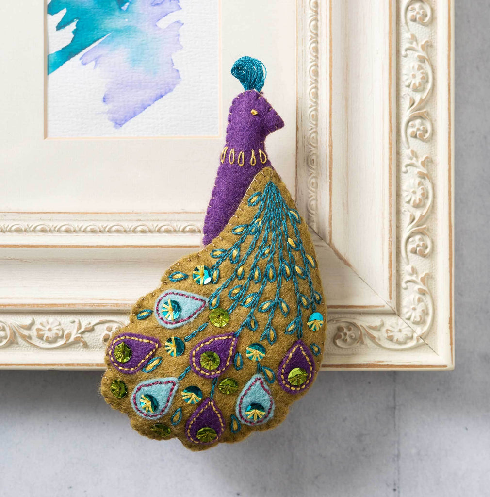 Corinne Lapierre Pretty Peacock Felt Craft Kit