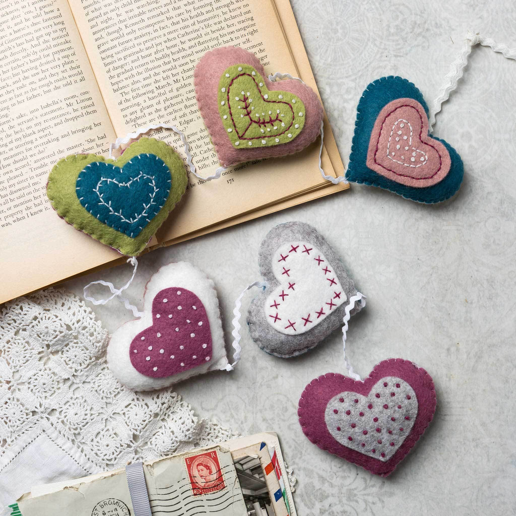 Corinne Lapierre Vintage Heart Garland Felt Craft Kit