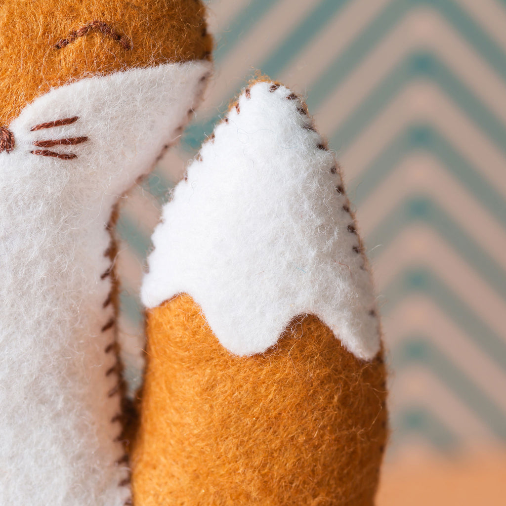 Corinne Lapierre Fox Felt Craft Kit Tail Detail