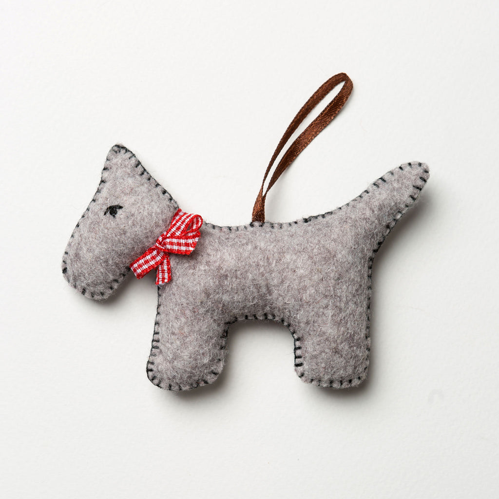 Corinne Lapierre Grey Dog Felt Craft Kit