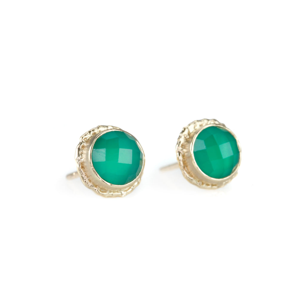 "Round Green Onyx Stud Earrings on Gold ""Ruffled Platform"""