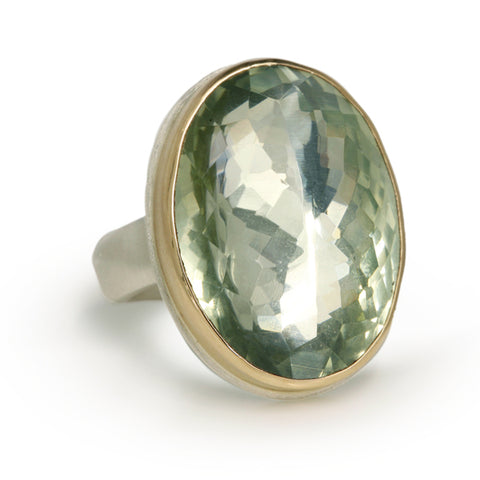Vertical Oval Inverted Mint Quartz Ring