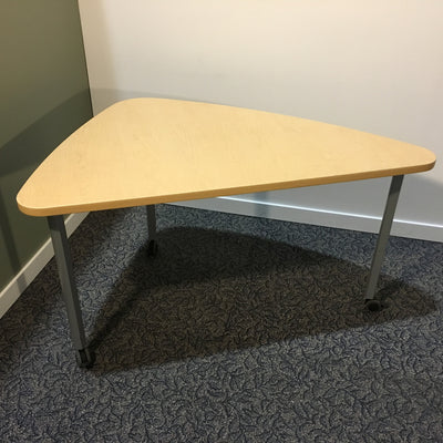 HERMAN MILLER TRIANGLE TABLE