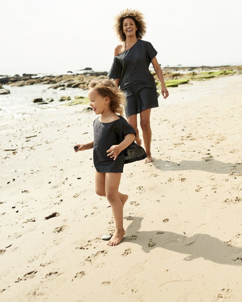black tunic vacation wear free-spirited clothing leisurewear neutral colors ethically crafted