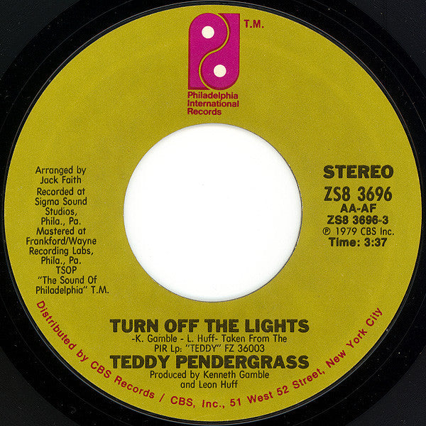 "Teddy Pendergrass - Turn Off The Lights / If You Know Like I Know VG+ - 7"" Single 45RPM 1979 Philadelphia Interntional USA - Disco"