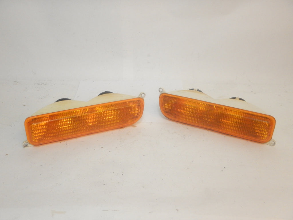 97-01 Cherokee XJ Jeep Front Turn Signal Parking Marker Light Set Driver Passenger