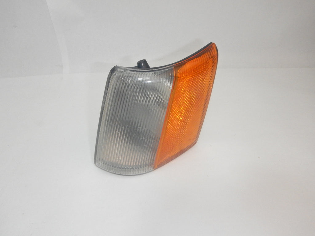 93-98 ZJ Grand Cherokee Side Marker Light Driver Side/ Left