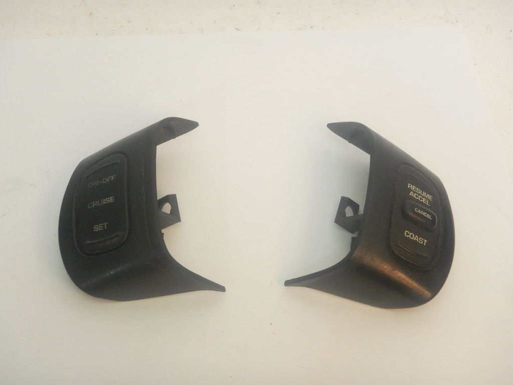 97-01 Cherokee XJ Jeep Cruise Control Right Left Steering Wheel Switch 56007531 56007530