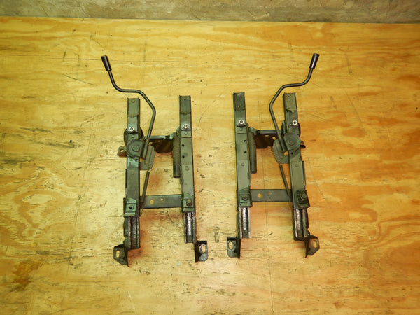 84-95 Cherokee XJ Jeep Driver Left Passenger Right Front Seat Bracket Set Slider Manual