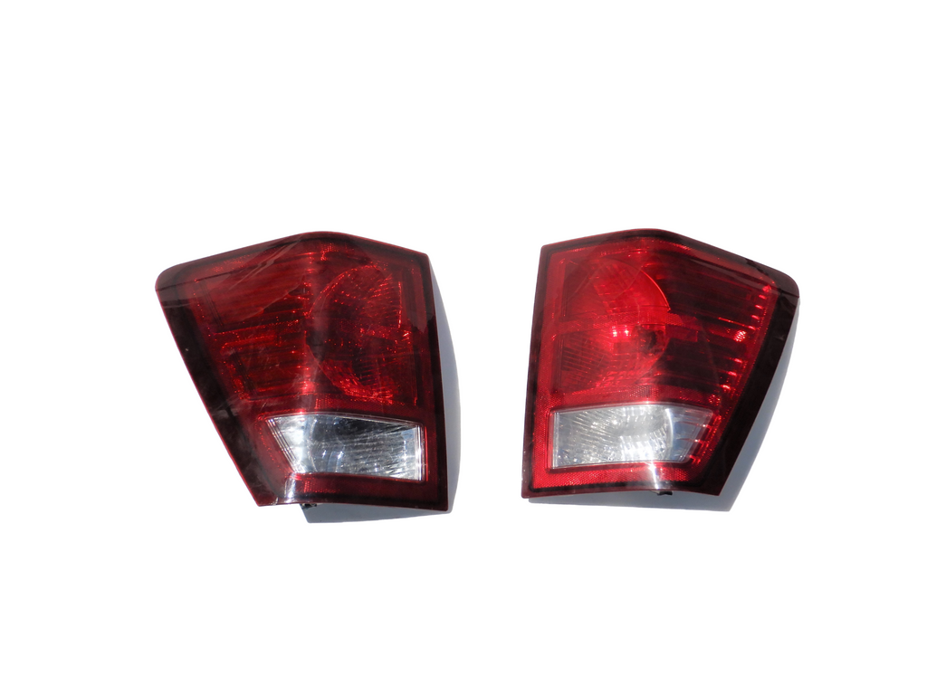 07-10 Grand Cherokee WK Jeep Rear Tail Light Taillight Lamp Set Driver Passenger