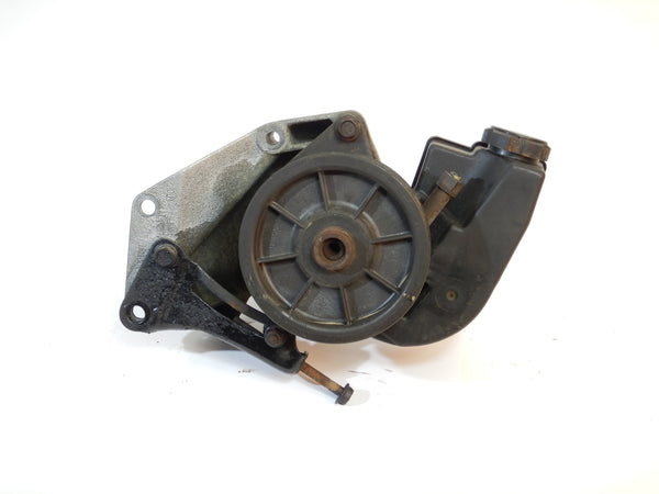 93-94 Grand Cherokee ZJ Power Steering Pump + Engine Bracket 04642153 53002913 53007617 53002911