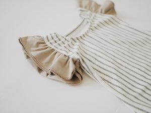 Flutter Sleeve Leo - Gray Stripe