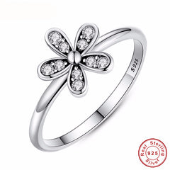 Fashion Elegant Original Ring- Sterling Silver Dazzling Daisy - Flower Ring Clear