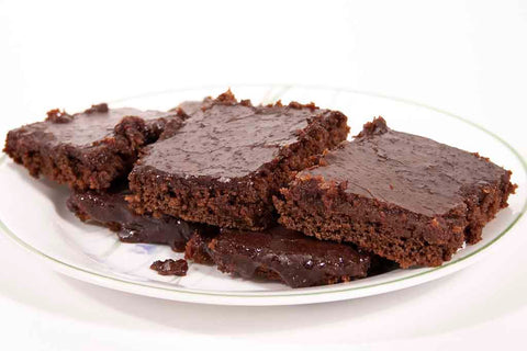 A plate of brownies