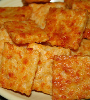 Garlic-Asiago-Cheddar Cheese Crackers Made With Olive Oil
