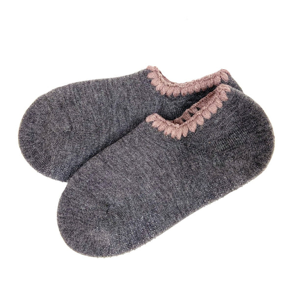 CHERRYSTONE® Slipper Socks | Classic Color with Grips | Grey - CHERRYSTONE