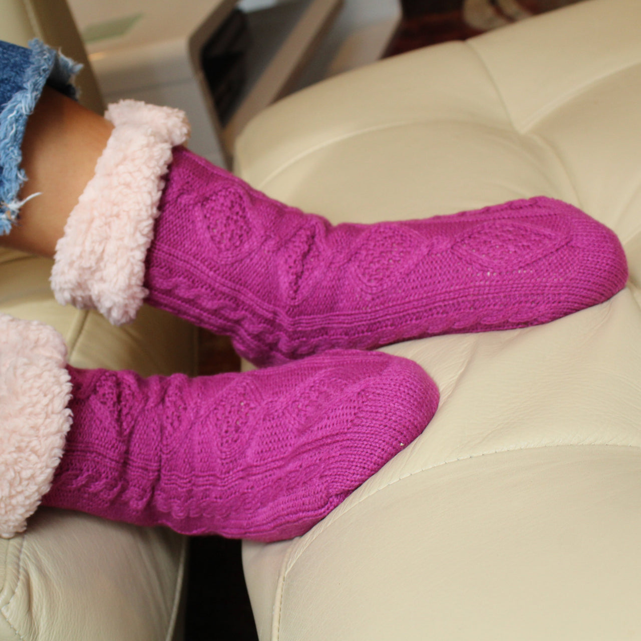 Plush Warm Crew Sock With Sherpa Boa Lining | Cable Knit | With Grips | Fuchsia - CHERRYSTONE
