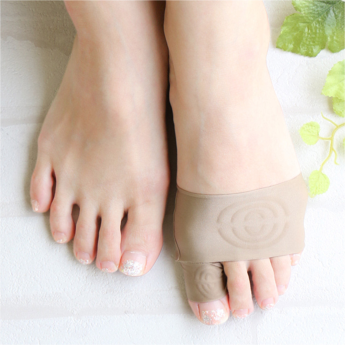 Single Bunion Support Footcare Cover | Left Foot - CHERRYSTONE by MARKET TO JAPAN LLC