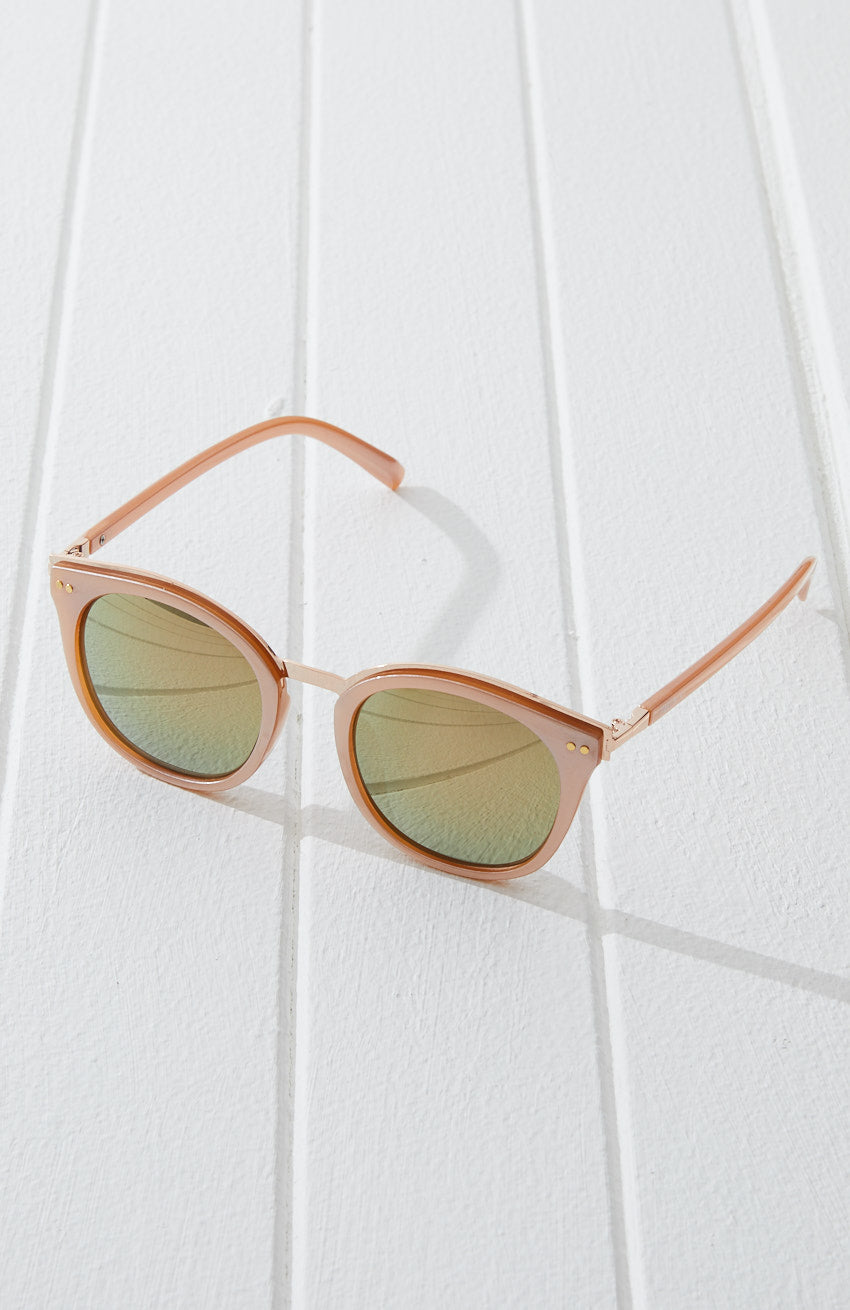 Carly Round Vintage Oversized Resin Sunglasses
