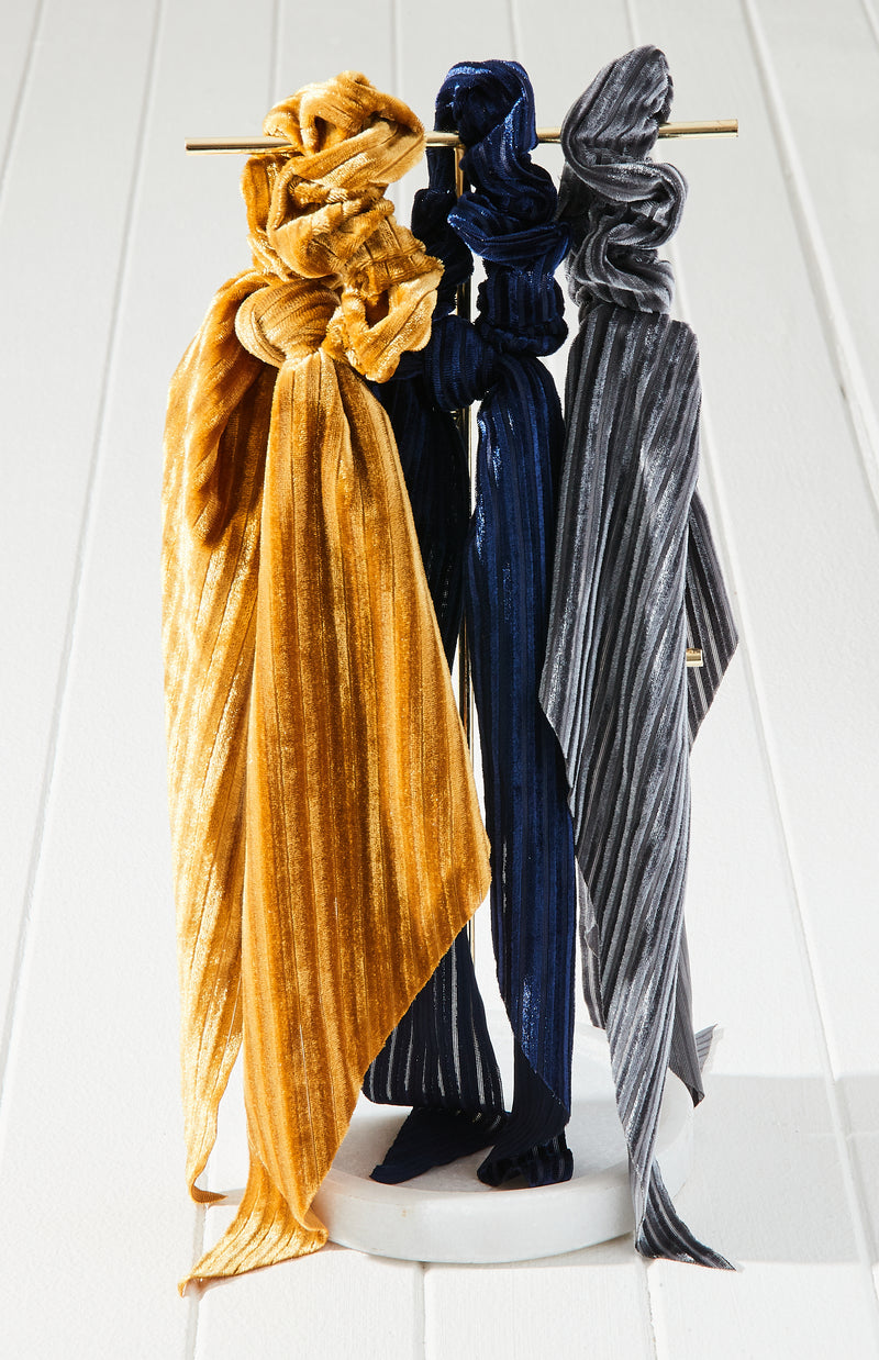 pleated velvet scarf scrunchie set