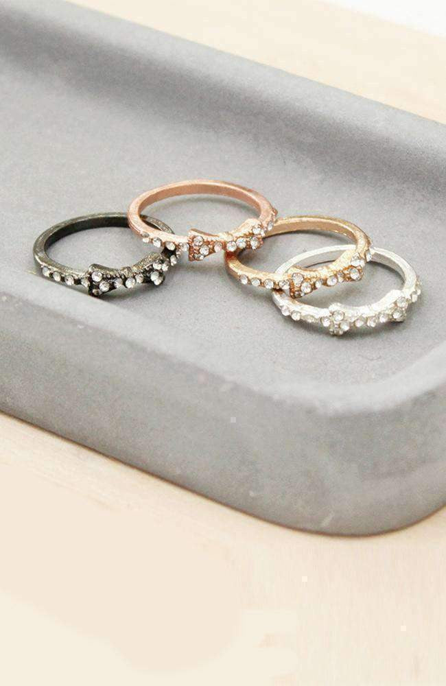 diamond bow ring set