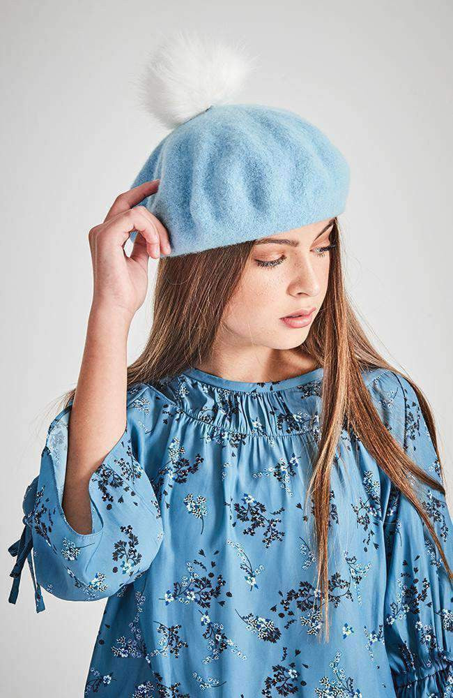 pom pom pale blue & white beret