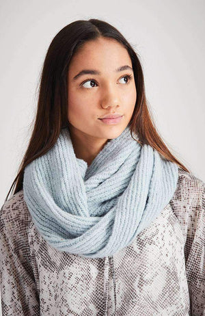 blue moon pastel ribbed snood