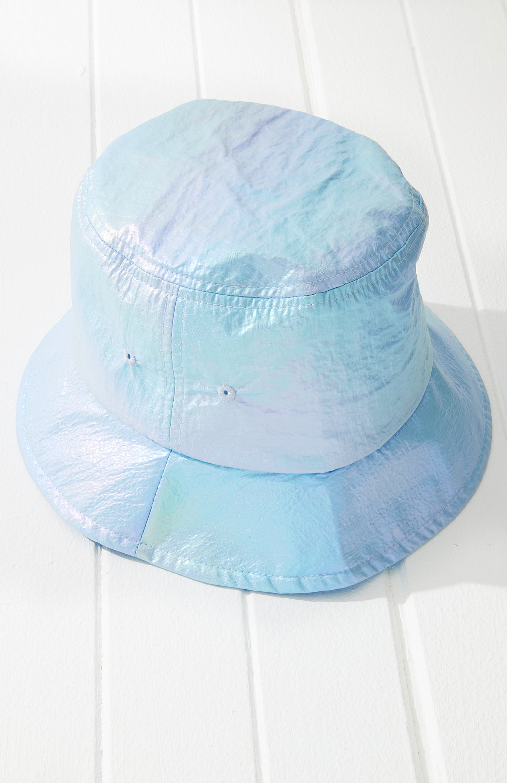 Irdescent Bucket Hat