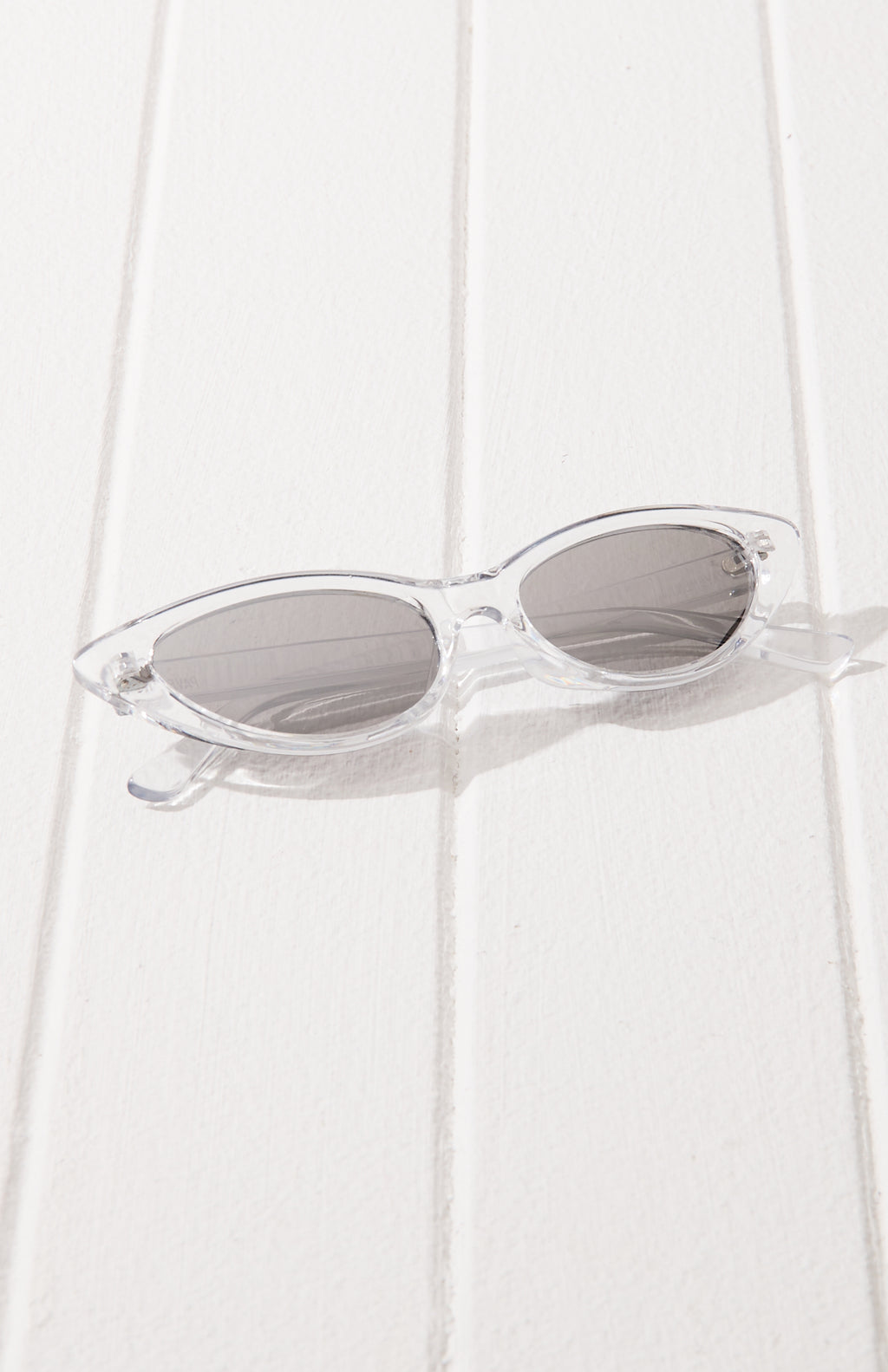 cat eye metallic mirror lens ninties sunglasses
