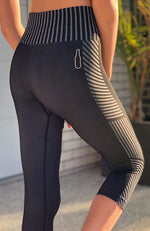 sinead black and grey knitted 3/4 active legging