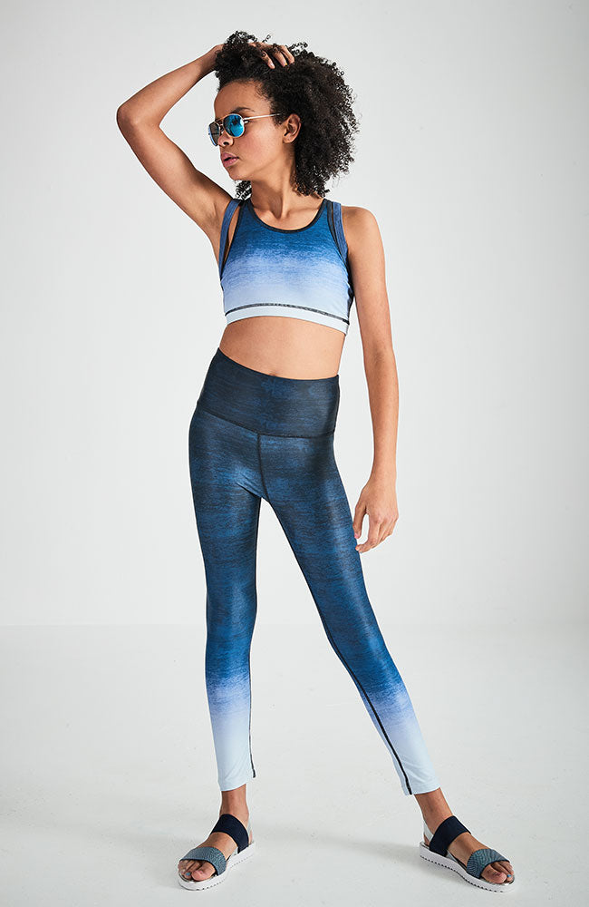 kiandra navy dip dye print active crop top