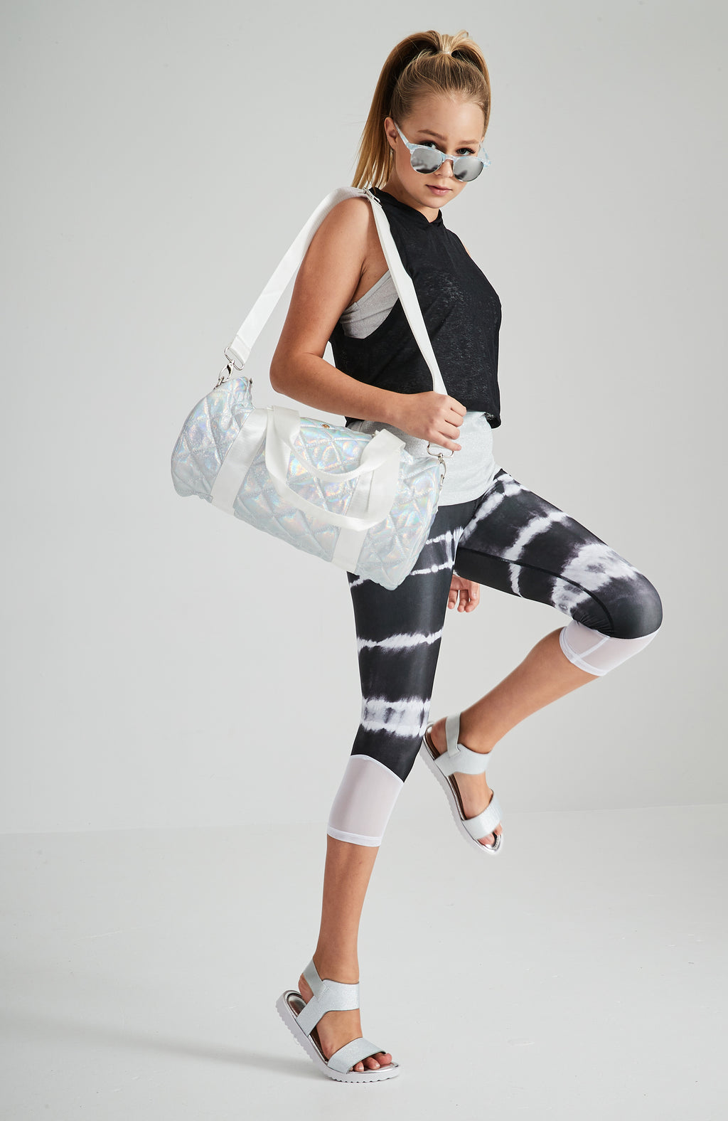 kari black and white tie dye 2 layer active 3/4 legging