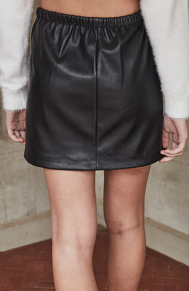 liana black faux leather stretch mini skirt