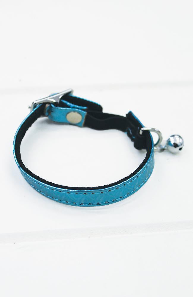 blue crocodile cat collar