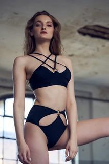 Black Strappy Ring Front Top - Hamade Activewear - PoleActive