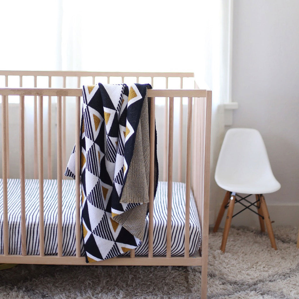 Baby Envie Throw