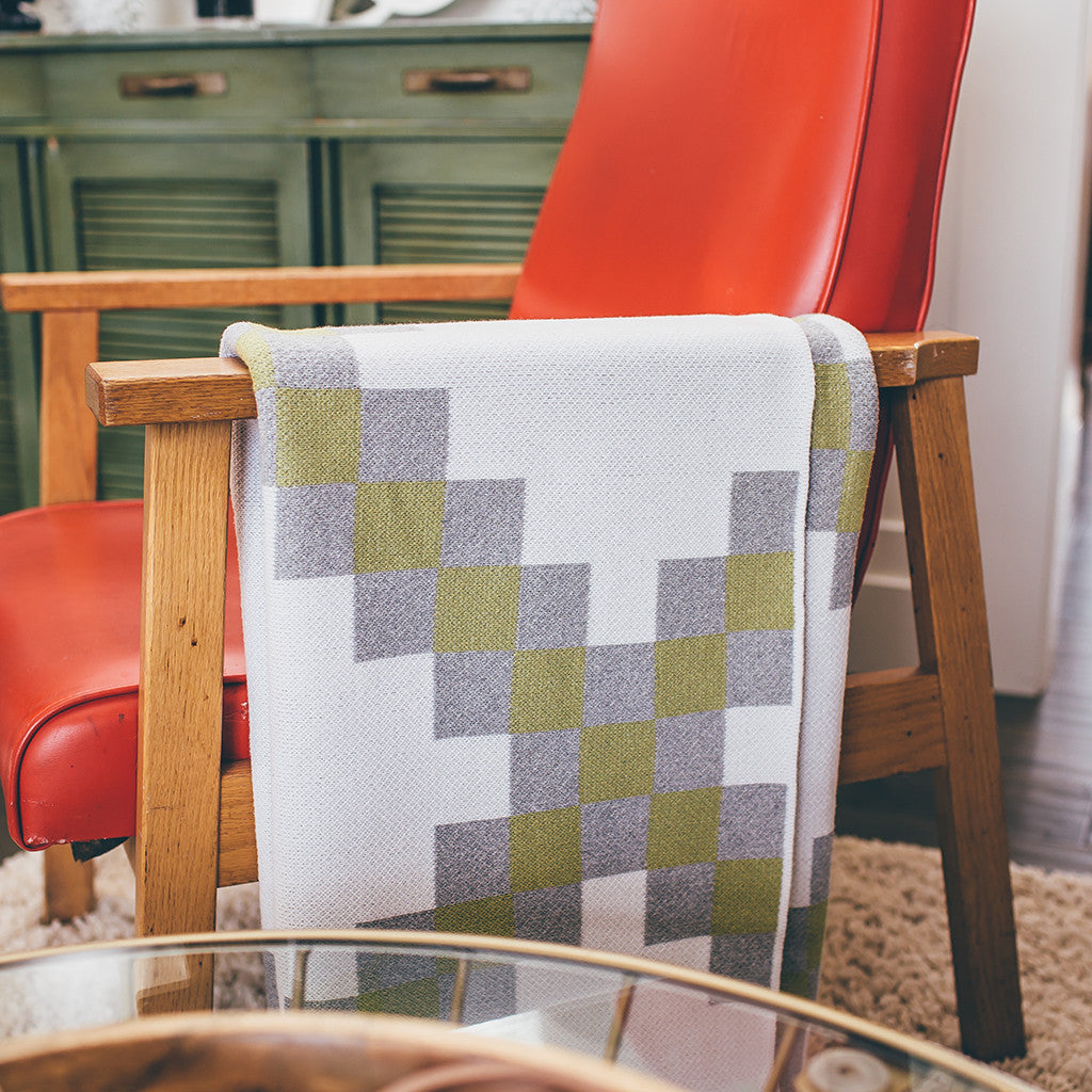 Seek & Swoon Baile Throw Blanket