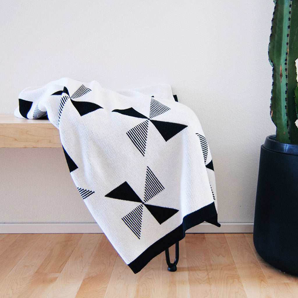 Molen Throw