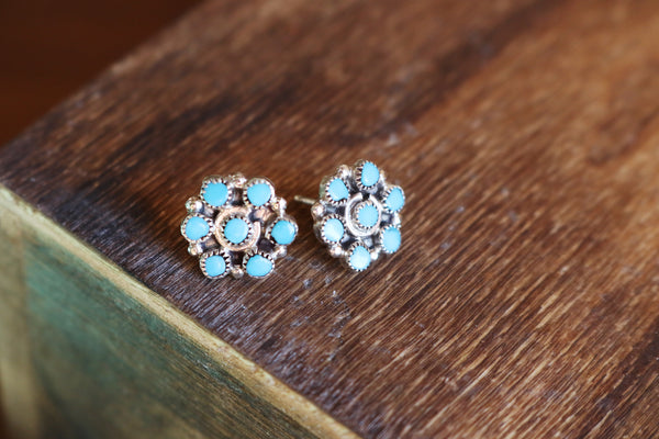 Baby Zuni Natural Flower Cluster Earrings - Triangle T Boutique
