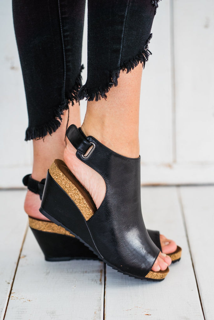 Corkys Calypso Wedge in Black