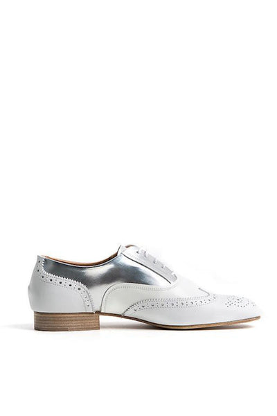 Esseutesse White Oxfords