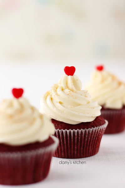 DAMY'S KITCHEN - RED VELVET CUPCAKE (8 Kişilik)